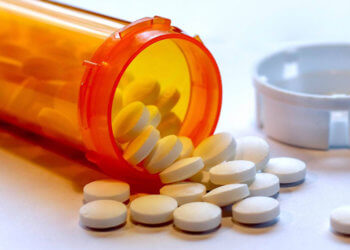 Say No to Opioids! 3 Ways Physical Therapy Can Naturally Relieve Pain